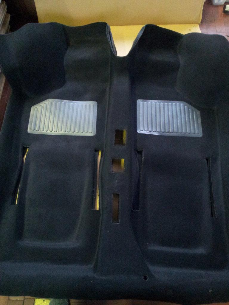 Tappeto preformato moquette colore nero fiat 500 shop for Moquette fiat 500 epoca